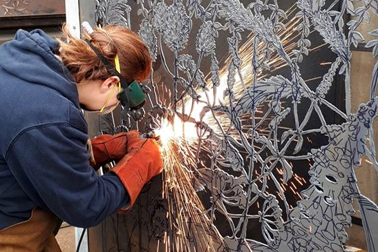 Artist Jeni Cairns is currently working on a new art installation for the Nene Park funded by WREN. Her stunning attention to detail captures different elements of Ferry Meadows perfectly on steel panels. Nene Park are hoping that the installation will be in place by the end of the month. For more information about the project, please see the latest copy of Parklife magazine.