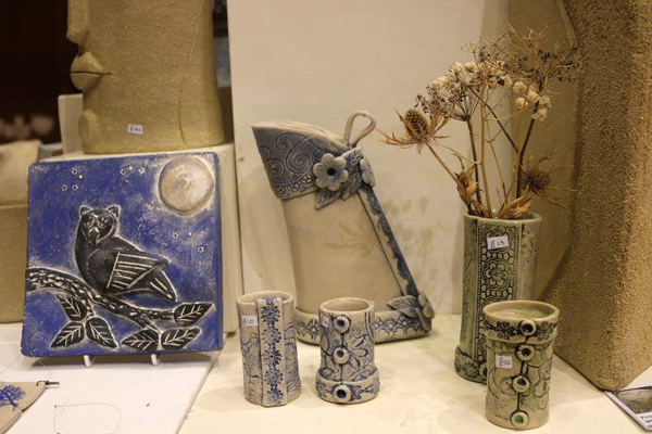 A winter delight is to be seen at the Yarow Gallery this December with this years joint exhibition of some regional artists to give us a pre free festive treat. Potters, painters and willow craft makers come together to display their works so hurry long where you can also purchase that unique handmade christmas gift for your loved one or relatives.
